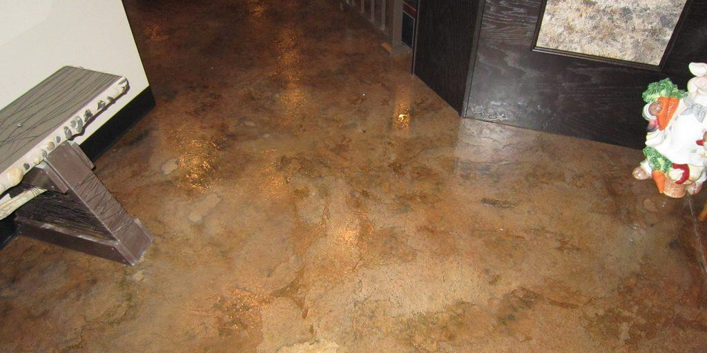 Acid stain design epoxy flooring in restaurant floor